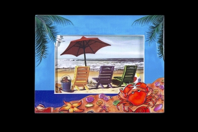 3-D Effect Photo Frame. Beach Crab Design