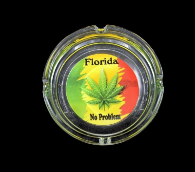 "Glass Ashtray Rasta Leaf Design - 4"" Diameter"