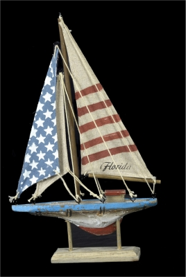 1633 - Wooden Sail Boat - US Flag Design