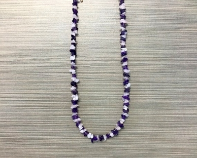 N-8257 - Single Strand Stone Chip Necklace - Purple and White