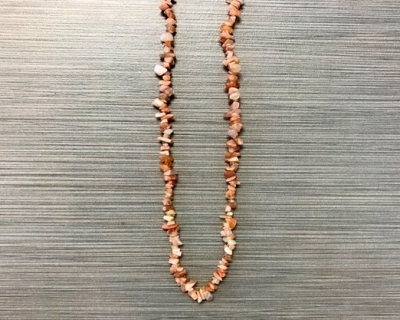 N-8264 - Single Strand Stone Chip Necklace - Pink Moonstone