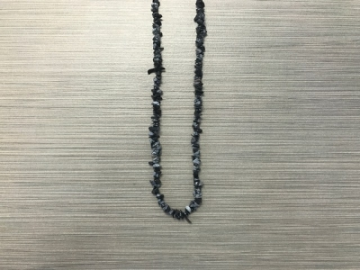 N-8265 - Single Strand Stone Chip Necklace - Snowflake Obsidian