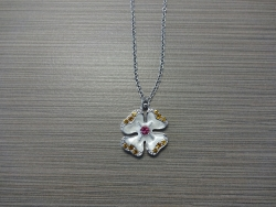 N-8524 - Enamel Inlay Hibiscus Pendant Necklace - White